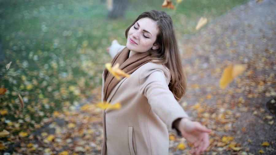 women free nature happy