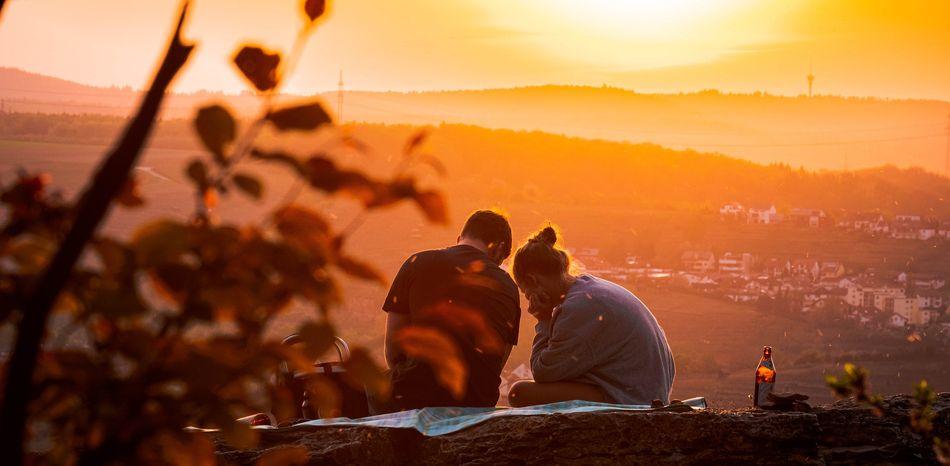 couple sunset relationship